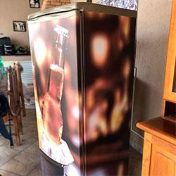 Envelopamento de geladeira com imagem de cerveja - São Paulo
