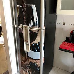 Envelopamento de geladeira com imagem - O Taça de Vinho - São Paulo