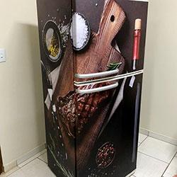 Envelopamento de geladeira com imagem vinho - São Paulo