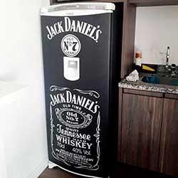 Envelopamento de geladeira Jack Daniels
