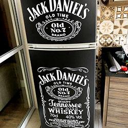 Envelopamento de geladeira com Jack Daniels - Vila Carrão - São Paulo