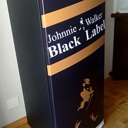 Envelopamento de Geladeira Johnnie Walker Black Label