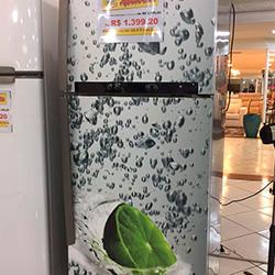 Envelopamento de geladeira com imagem de Limão