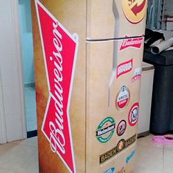 Envelopamento geladeira com cerveja Bohemia Stella Artois Skol Quilmes