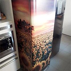 Envelopamento de geladeira com Imagem de Campo de Girassóis