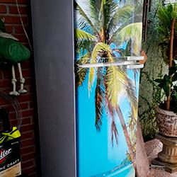 Envelopamento geladeira com imagem de Praia