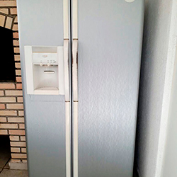 Envelopamento de geladeira Side By Side com Aço Escovado em SP
