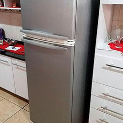 Envelopamento de geladeira com aço escovado - Carapicuíba - SP