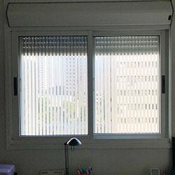 Aplicação de adesivo jateado para janela cozinha - São Paulo