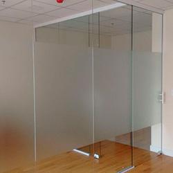 Adesivo jateado vidro em escritório SP